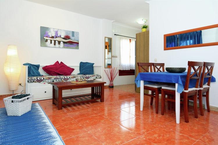 Playa-Blanca Vakantiewoningen te huur Leuk appartement in het centrum van Playa Blanca, slechts 200m van het strand