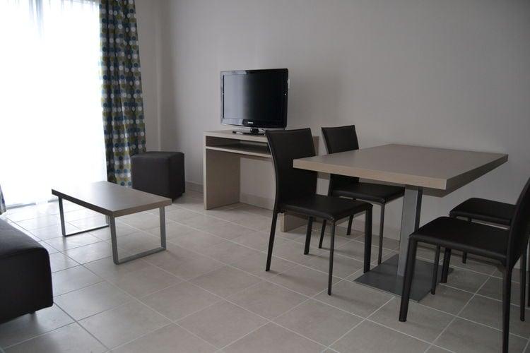 Vakantiehuizen Frankrijk | Bretagne | Appartement te huur in Concarneau met zwembad  met wifi 6 personen