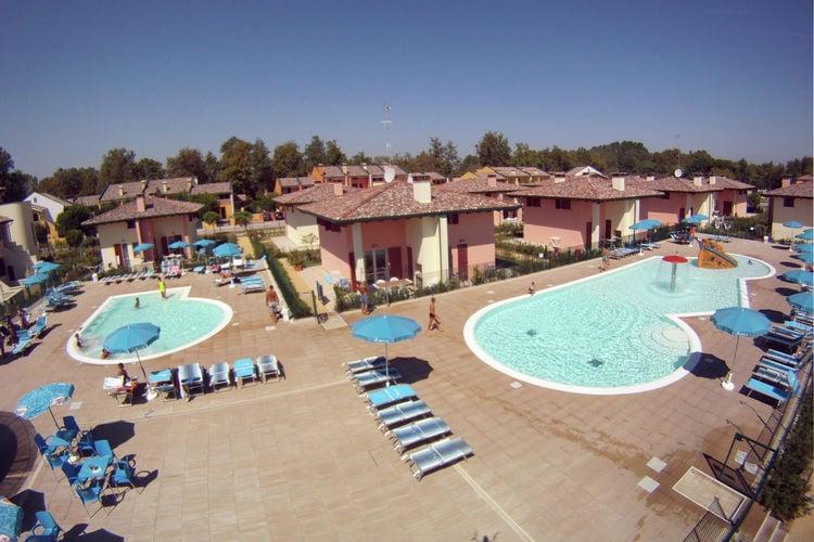 Appartement met zwembad met wifi  Lido delle Nazioni  Adriatico Superior