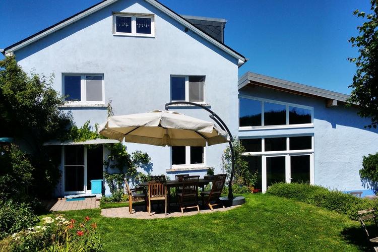 Luxemburgh Vakantiewoningen te huur Kleurrijke woning met privébioscoop, zeer grote tuin en prachtig uitzicht