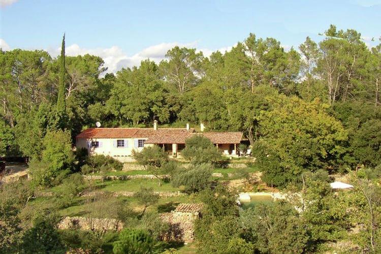 Carcès Vakantiewoningen te huur Vrijstaand karakteristiek huis met privézwembad, gelegen in een ongerepte natuur