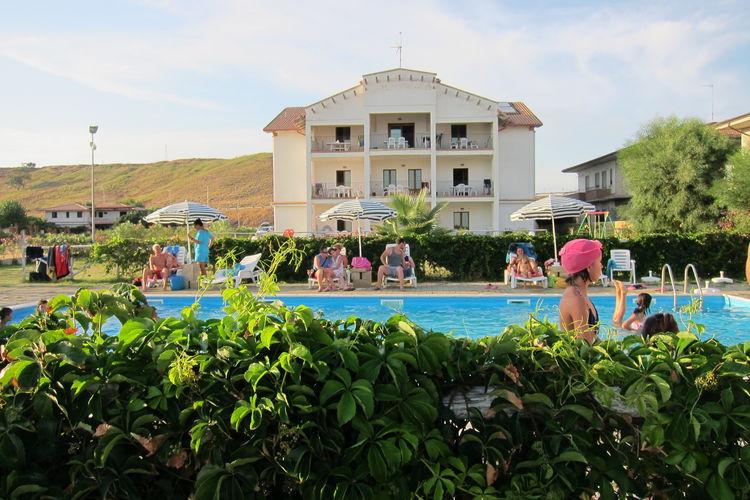 Appartement met zwembad met wifi  BasilicataBarko Trilo Vista Mare