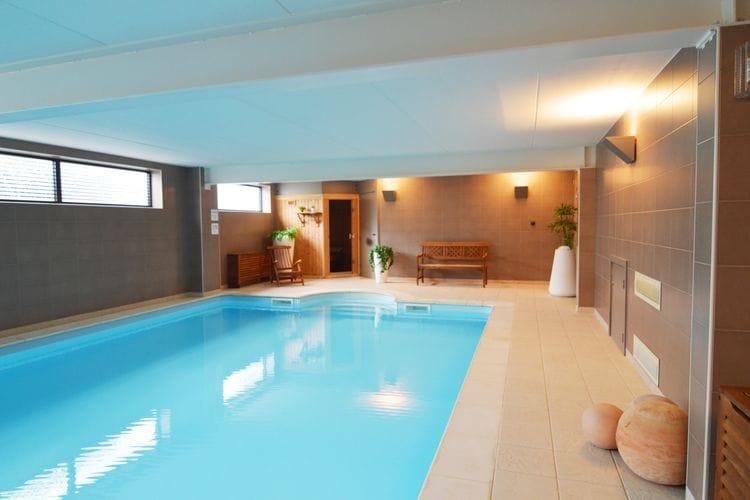 Namen Vakantiewoningen te huur Luxe villa met verwarmd binnenzwembad en sauna gelegen op een privélandgoed