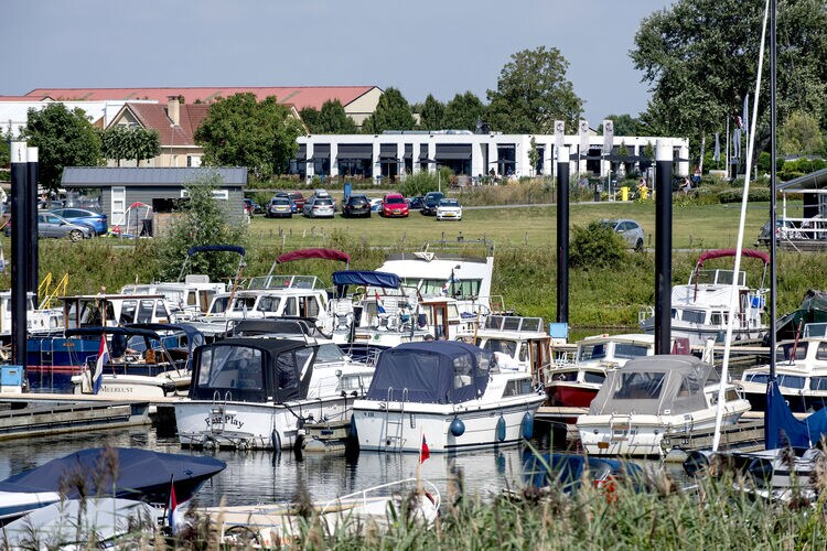 vakantiehuis Nederland, Gelderland, Maurik vakantiehuis NL-4021-03
