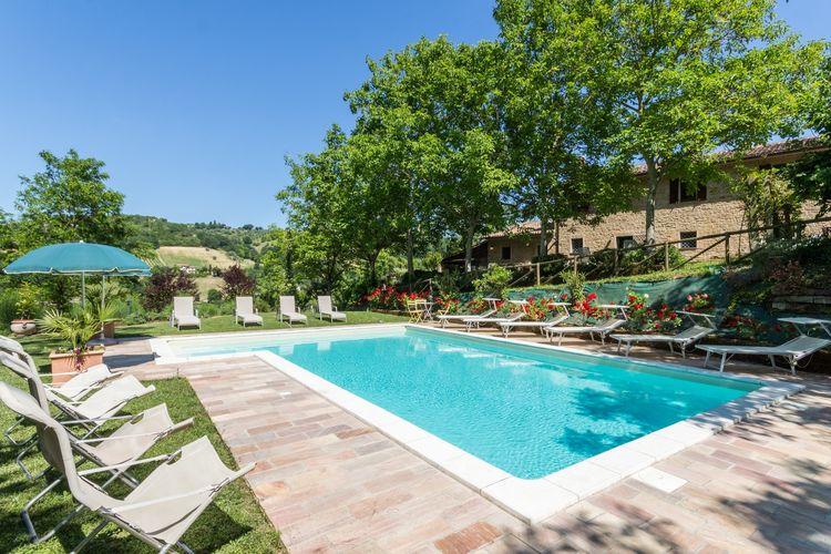 Italie | Marche | Villa te huur in Serra-san-Quirico met zwembad  met wifi 15 personen