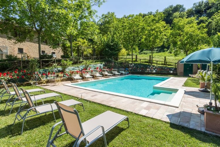 Villa met zwembad met wifi  MarcheVilla Quirico