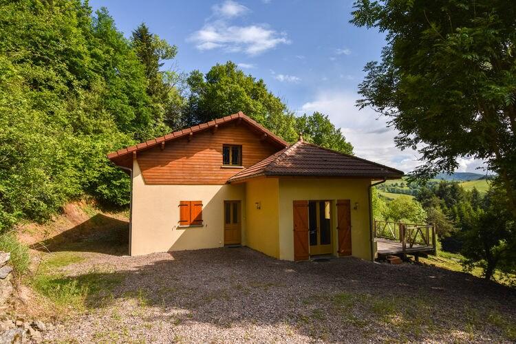 Vakantiehuis  met wifi  Ferrières-Sur-Sichon  Prachtig gelegen woning met mooi uitzicht over het omringende heuvellandschap