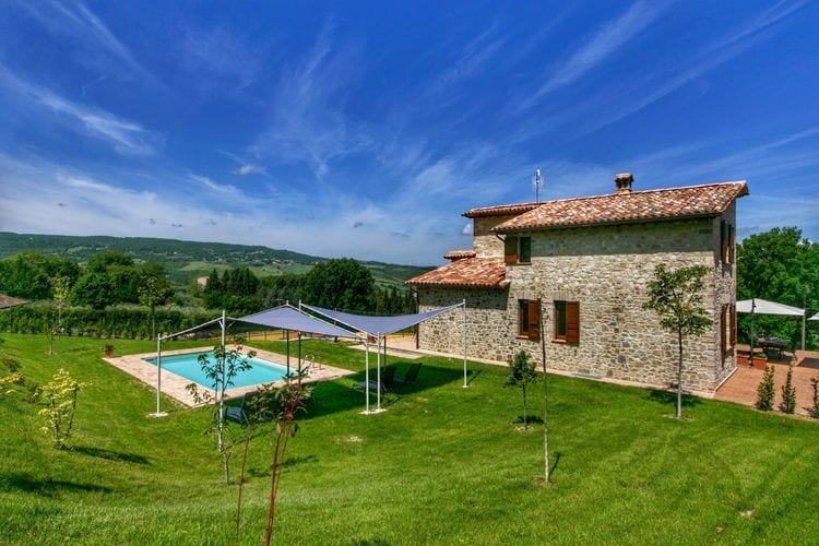 Villa met zwembad met wifi  Vasciano  Villa met privézwembad, landelijk en moderne inrichting, prachtig uitzicht