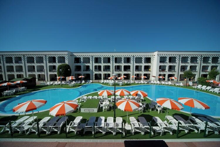 Appartement in residence met zwembad op 500 meter van zee, ideaal voor families