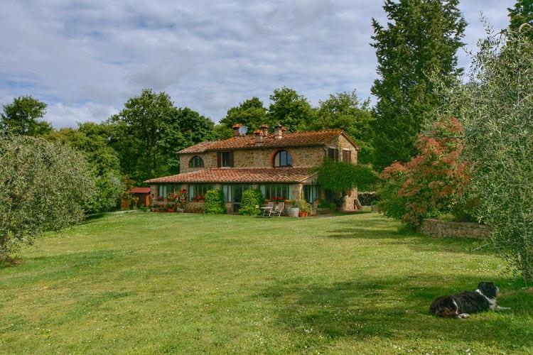 Villa met zwembad met wifi  Lucignano  Landelijke villa met verwarmd privézwembad, groot terras en mooi uitzicht