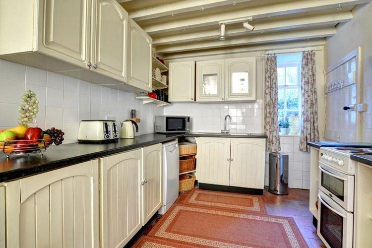 Ref: GB-00001-84 3 Bedrooms Price