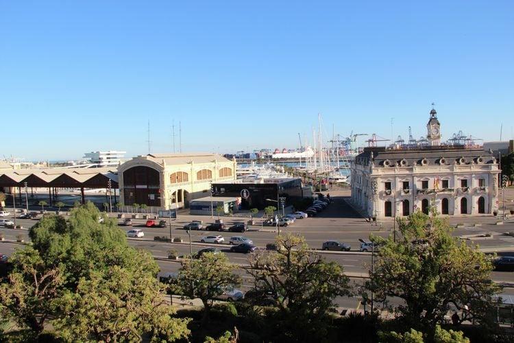 Valencia Vakantiewoningen te huur Luxe appartement bij de haven van Valencia en op slechts 500 m van het strand