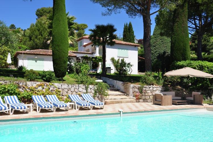 Mougins Vakantiewoningen te huur Luxe villa op 7 km van de Middellandse Zee en de beroemde badplaats Cannes.