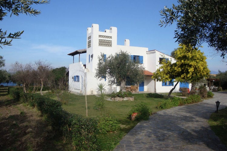 Holiday house Country house with private beach / Upper floor (2099546), Arkitsa, , Central Greece, Greece, picture 1