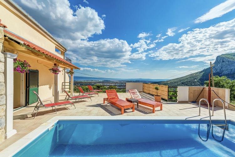 Solin Vakantiewoningen te huur Tegen een heuvel gebouwde villa met verwarmd zwembad en panoramisch uitzicht op Split en de zee