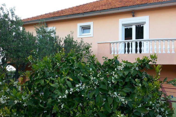 Ferienwohnung Apartment Lukacic A4 (2075885), Tkon, Insel Pasman, Dalmatien, Kroatien, Bild 1