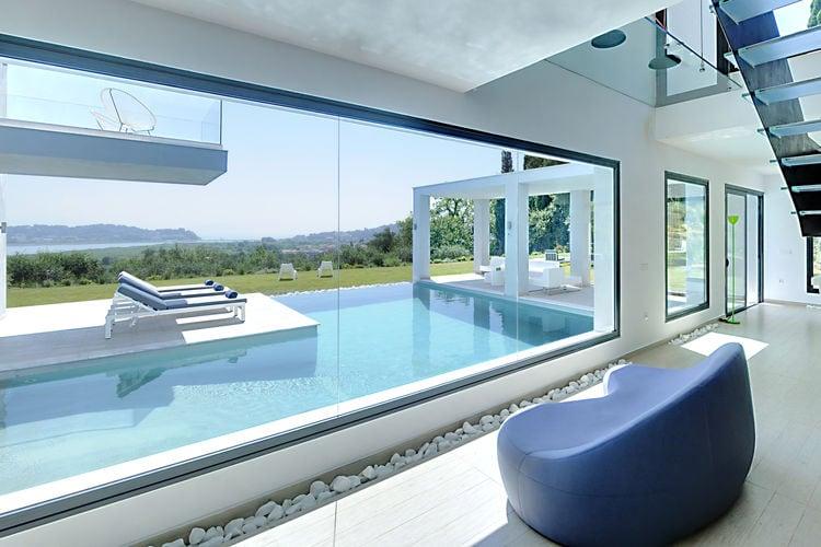 Villa huren in Corfu - met zwembad  met wifi met zwembad voor 8 personen  Villa Eva, met 4 slaapkamers, ligt..