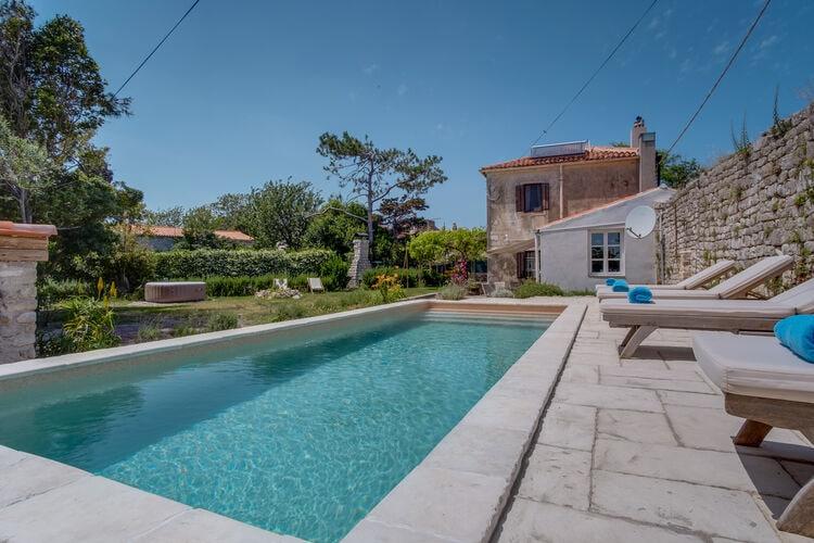 Kroatie | Eld | Vakantiehuis te huur in Nerezine met zwembad  met wifi 8 personen