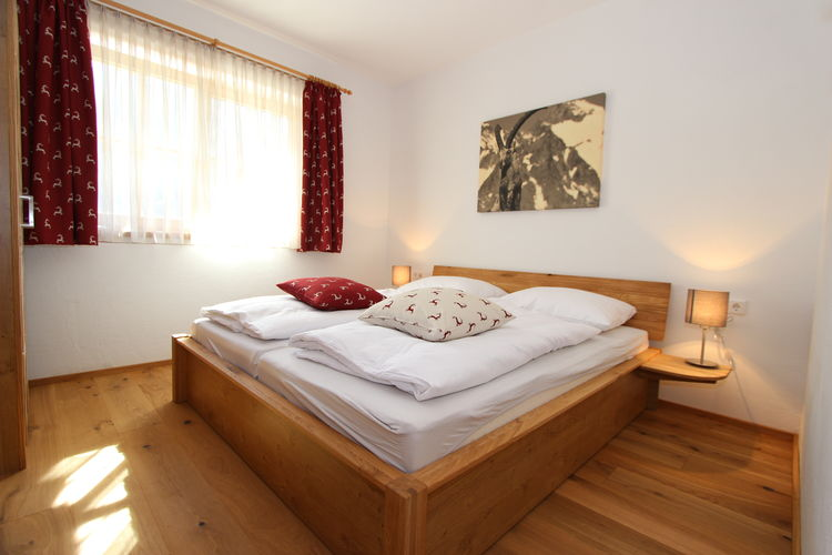 Ref: AT-5721-120 4 Bedrooms Price