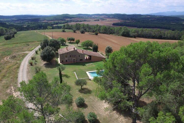 Spanje | Costa-Brava | Vakantiehuis te huur in Romanya-dEmporda met zwembad  met wifi 8 personen