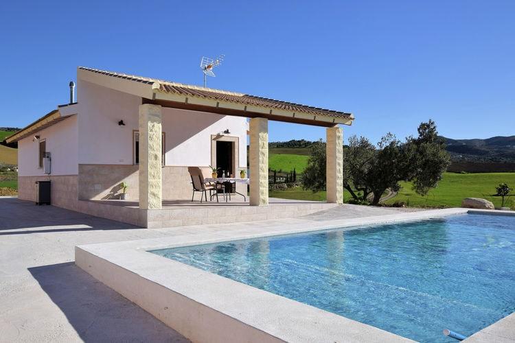 Vakantiehuizen Spanje | Andalucia | Vakantiehuis te huur in Villanueva-de-la-Concepcion met zwembad  met wifi 4 personen