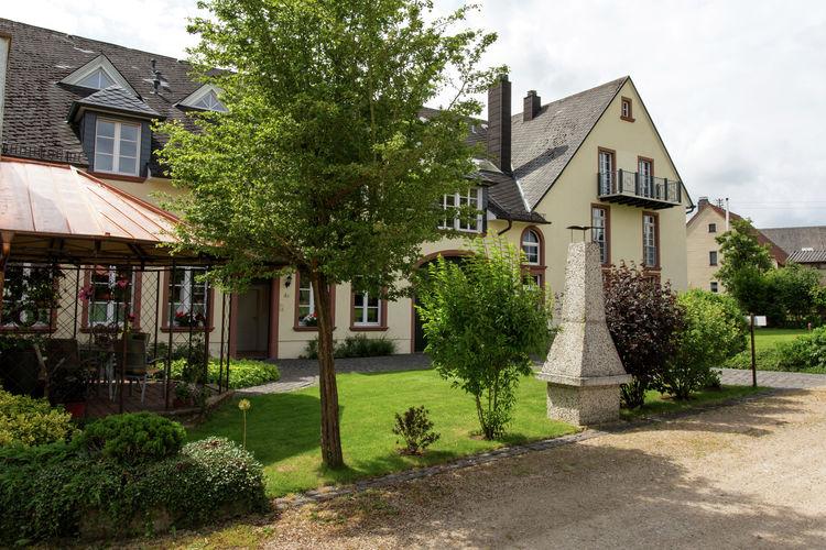 Üxheim-Leudersdorf Vakantiewoningen te huur Luxe en comfortabel appartement, vredig en met prachtig uitzicht.