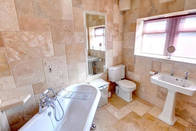 Ref: GB-00002-72 2 Bedrooms Price