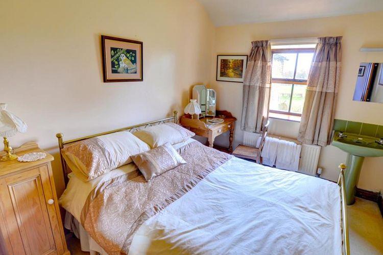 Ref: GB-00002-79 3 Bedrooms Price