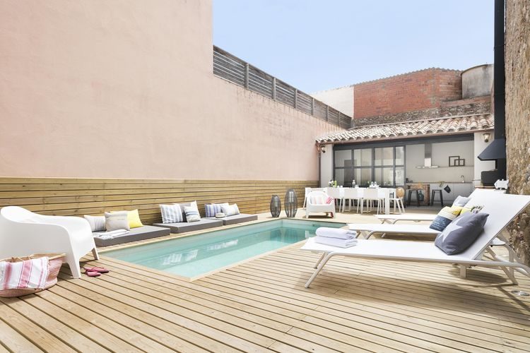 Spanje | Costa-Brava | Vakantiehuis te huur in La-Tallada-Demporda met zwembad  met wifi 11 personen
