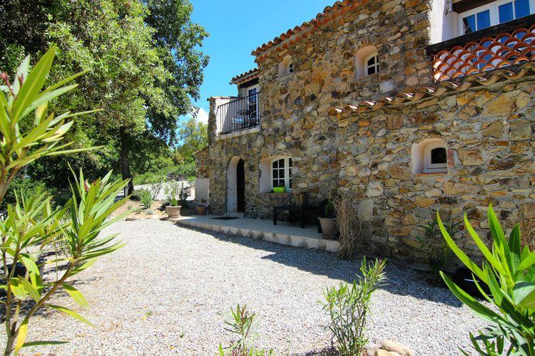 Vakantiewoning met zwembad met wifi  Plan de la Tour  Comfortabele woning in een natuurstenen provençaalse residence met zwembad