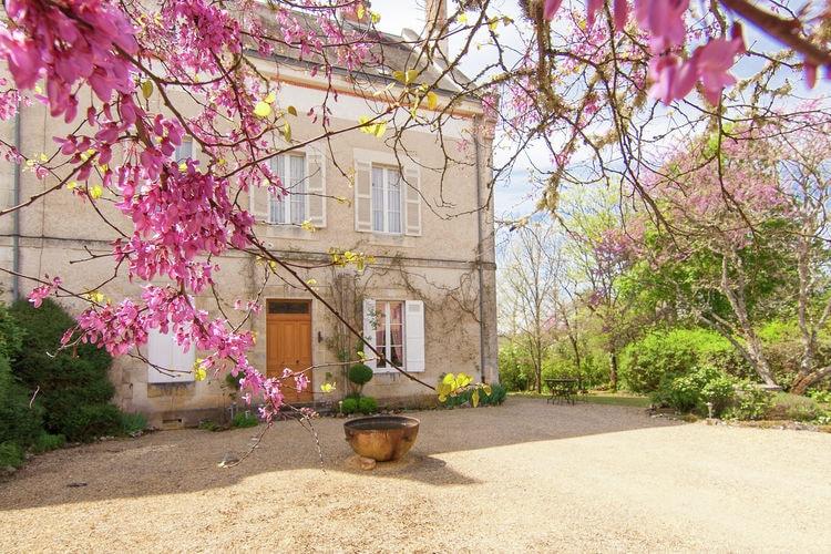 Vakantiehuis met zwembad met wifi  DordogneLa Peyrade Le Manoir