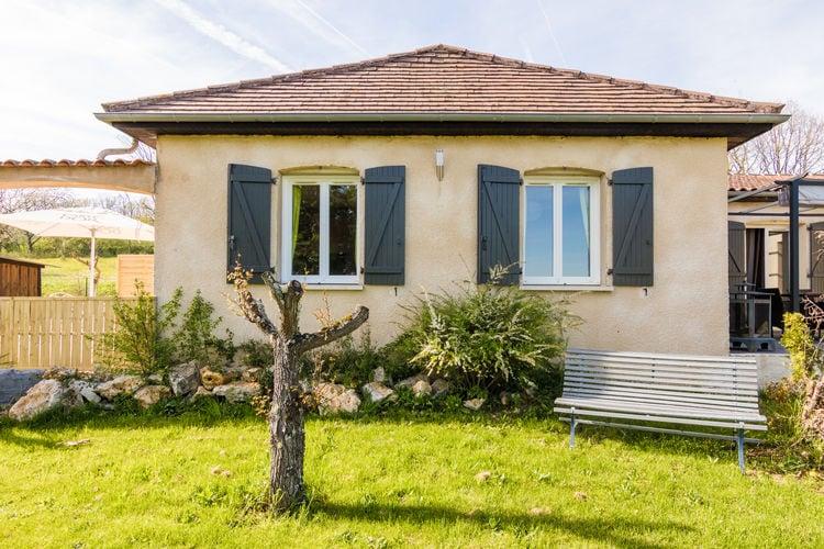 Tourtoirac Vakantiewoningen te huur Appartement met mooi uitzicht op een klein domein met gebruik van zwembad.