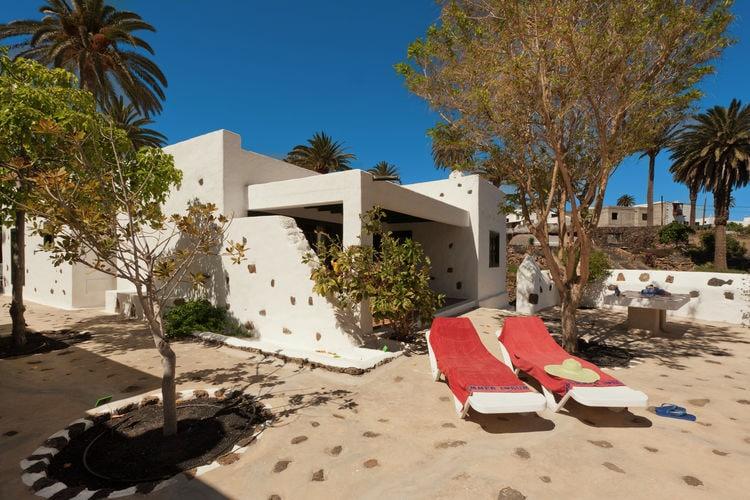 Haría, Lanzarote Villas te huur Vrijstaande villa met gemeenschappelijk zwembad in Haría op Lanzarote