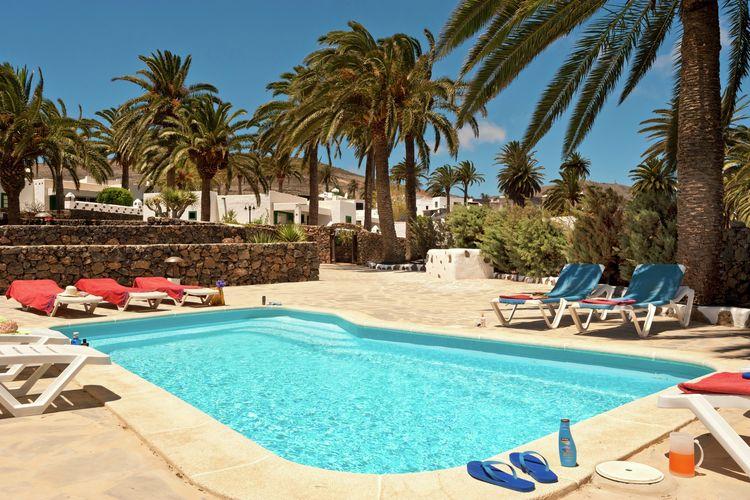 Villa met zwembad met wifi  Haría, Lanzarote  Casa Arrieta