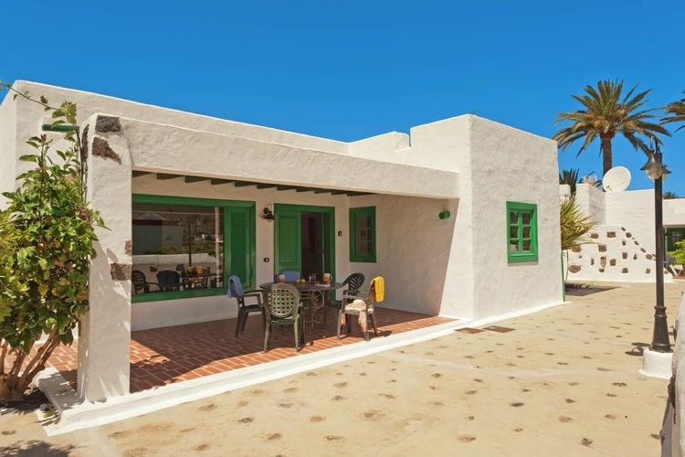 Villa met zwembad met wifi  Haría, Lanzarote  Casa Guinate