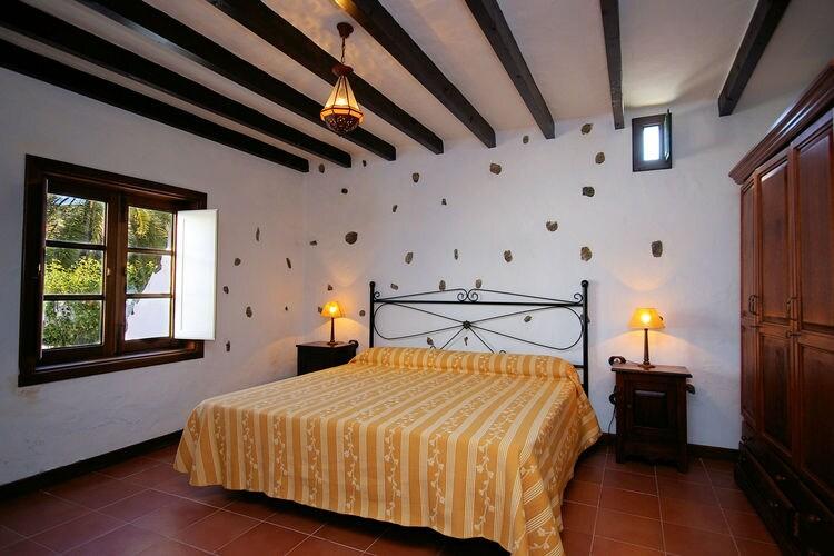 Ref: ES-35520-08 3 Bedrooms Price