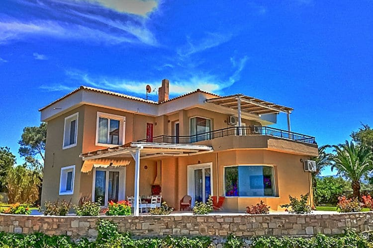 disCRETE Villa Episkopi  Crete Greece