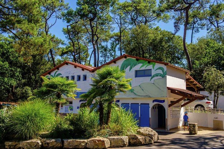 Longeville sur Mer Sta caravans te huur Familie-camping in het bos nabij het uitgestrekte zandstrand van de Vendée