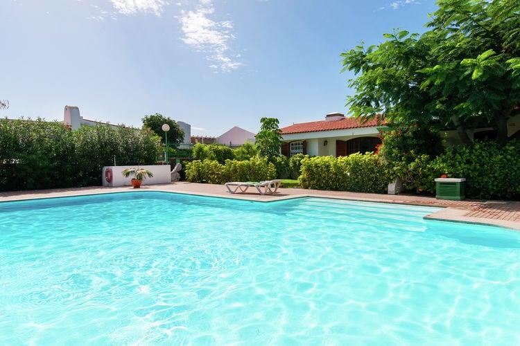 Bungalow met privé-tuin op kleinschalig, rustig parkje met gedeeld zwembad