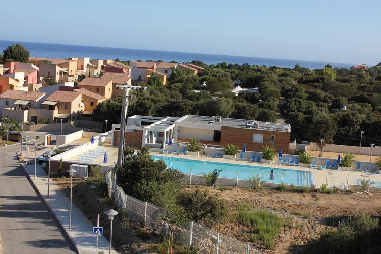 Belgodere Vakantiewoningen te huur Rustig gelegen vakantiepark nabij het strand van Lozari