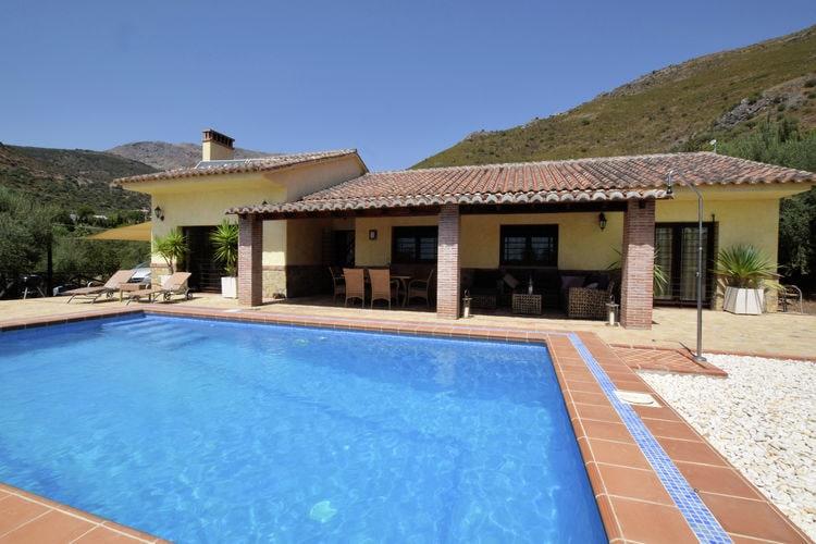 Andalucia Vakantiewoningen te huur Luxe villa met privé zwembad, makkelijk toegankelijk, in spectaculair landschap
