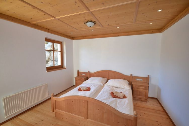 Ref: AT-5742-37 6 Bedrooms Price