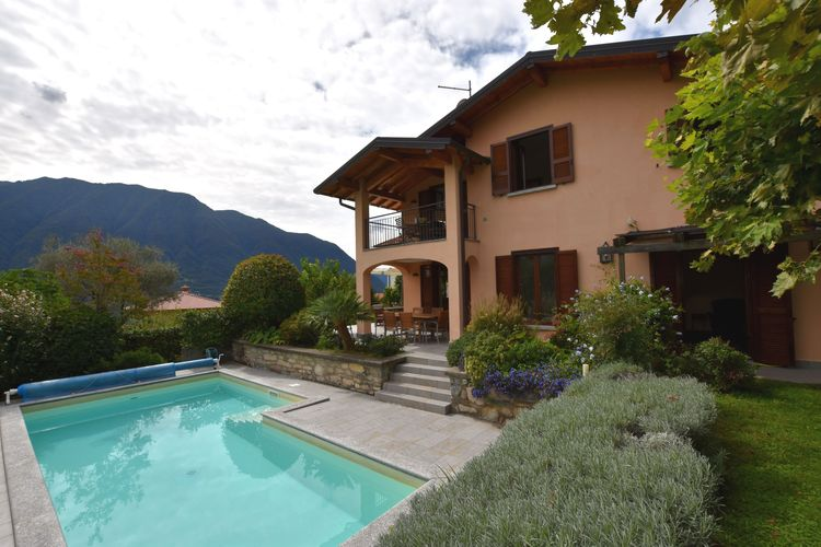 Vakantiehuis met zwembad met wifi  Italiaanse MerenVilla Albizia