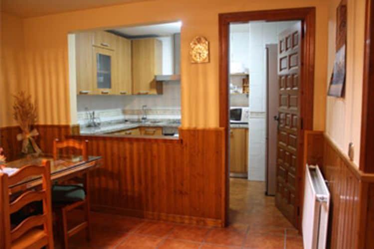 Ref: ES-00022-52 4 Bedrooms Price