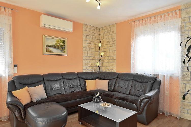 Appartement Kroatië, Dalmatie, Kaštel Lukšić Appartement HR-21215-02