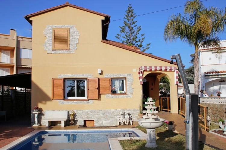 Costa Dorada Vakantiewoningen te huur Vakantiehuis met prive zwembad en slechts 900 meter van het strand vandaan
