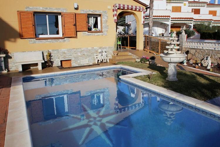 Vakantiehuis met prive zwembad en slechts 900 meter van het strand vandaan