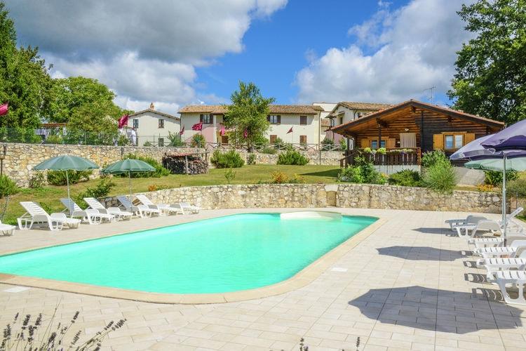 Italie | Umbrie | Boerderij te huur in Sellano met zwembad  met wifi 6 personen
