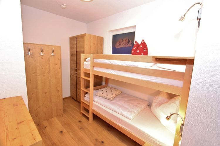 Ref: AT-5731-25 7 Bedrooms Price