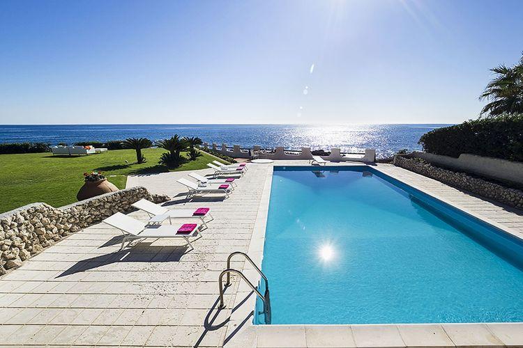 Villa met zwembad met wifi  Fontane Bianche  Moon